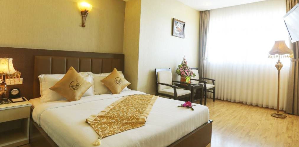 acconmodation-Eden-plaza-superior-room