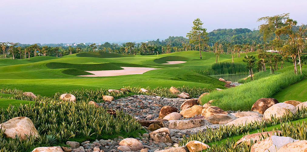 Experience Cu Chi Tunnels & Golf (4 Days 3 Nights 3 Rounds)