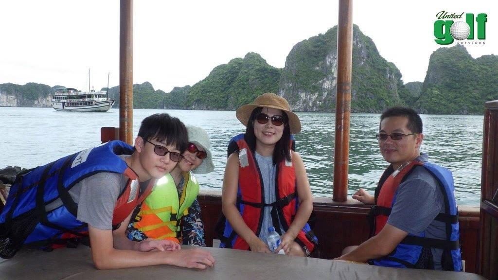 nhà hàng trên thuyền
