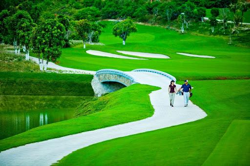 Trải nghiệm hệ thống sân golf Vinpearl tại Phú Quốc