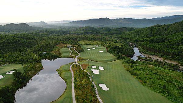 Bà Nà Hills Golf Club với phong cảnh thiên nhiên tuyệt đẹp