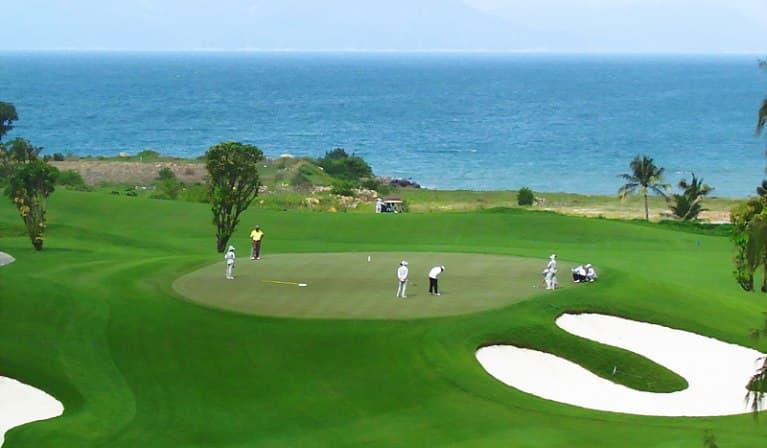 Vinpearl Golf Nha Trang - điểm đến ấn tượng tại Nha Trang