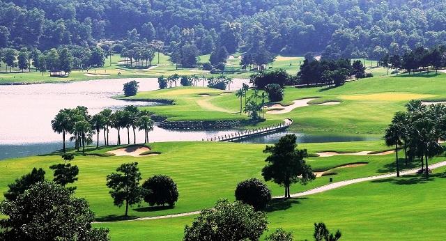 Du lịch golf thu hút khách du lịch