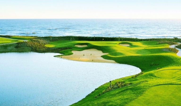 Sân golf nhìn từ trên cao
